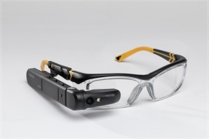 Toshiba_dynaEdge_AR-Smart_Glasses_Safety_Glasses-300x200