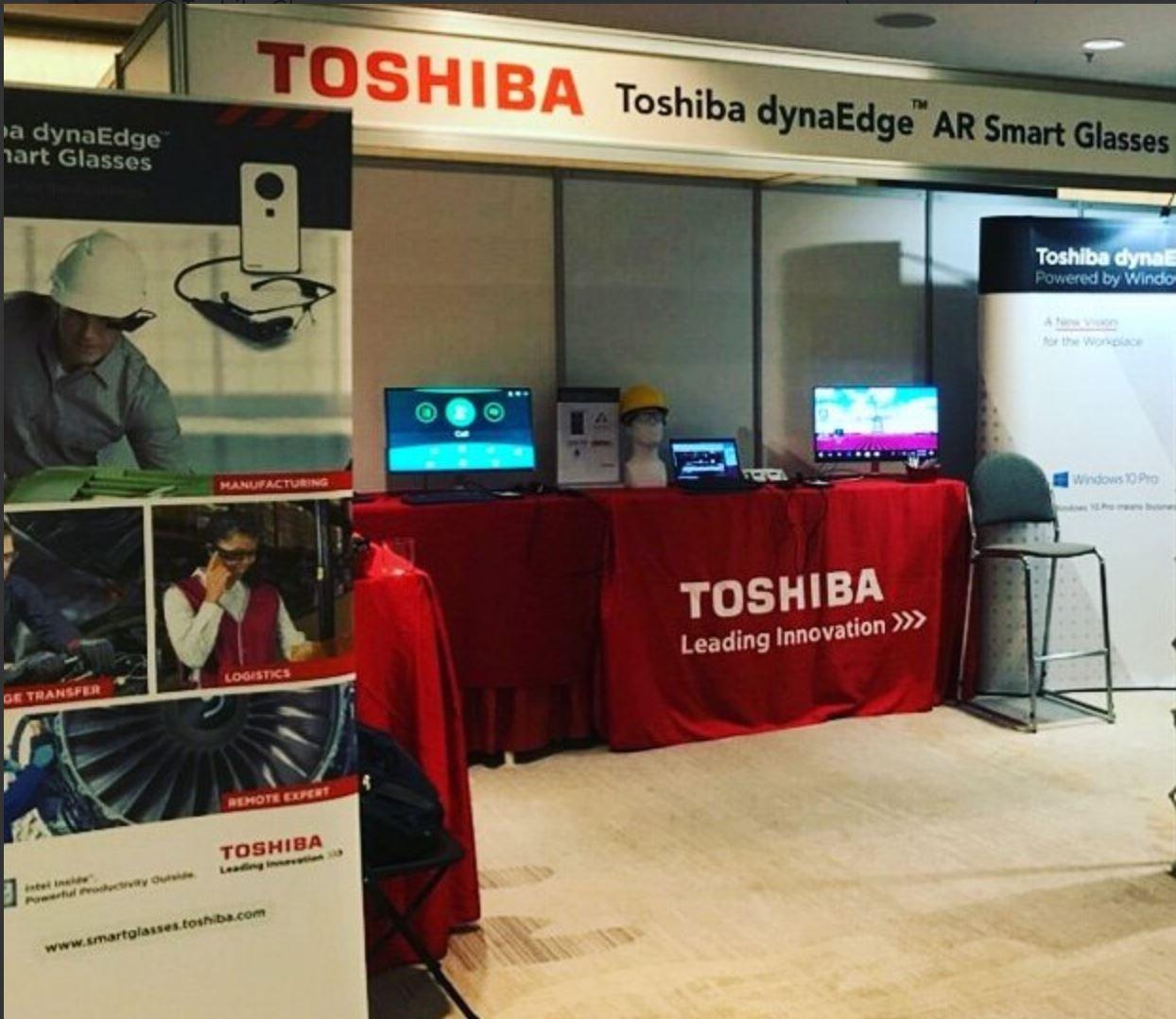 VR AR Toshiba booth