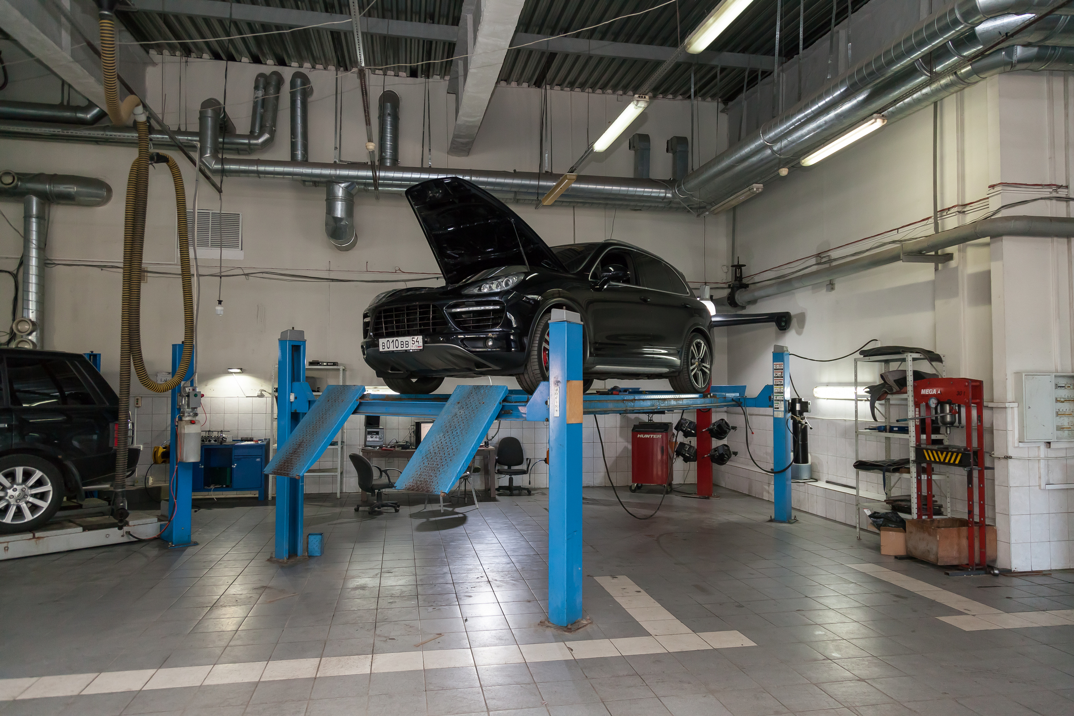 Car and Driver reports:Porsche Technicians Using 3X More Augmented Reality to Fix Cars